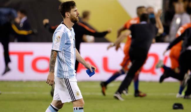Messi botó el primer penalti de la final en la definición del título | Foto: AP